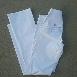White House Black Market white jeans Blanc